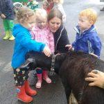 KARAWANE vom WEGESRAND zu BESUCH in Krippe, Kindergarten und Hort