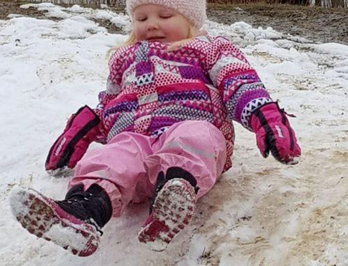 Schnee Schnee Jucheee in der Kinderkrippe