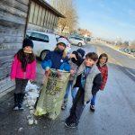 Müllsammeln in der Gemeinde