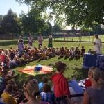 Gemeinsamer Gottesdienst im Schulgarten